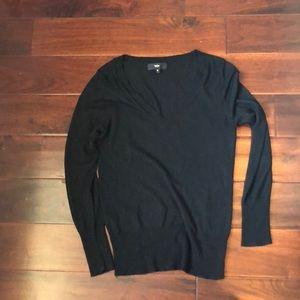 Black v neck sweater